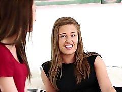 Adolescentes bonitos obter tratamentos faciais