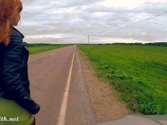 nudez pública Jeny Smith na estrada