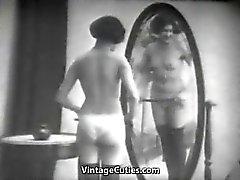 Domineren Lesbische Meesteres Zwepen een Maid