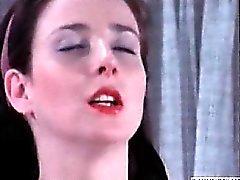 Eileen Daly Nude i mycket explicita sexscen i en kille ,