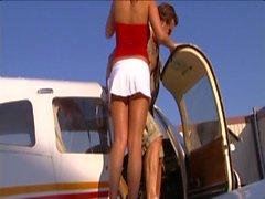Осень Счастье - Самолет а ангар
