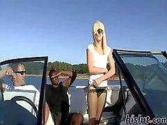 Brendi Bir tekne yolculuğunun alır