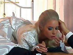 Nadian hämmästyttävän Roussian morsiamet pääsee sexed