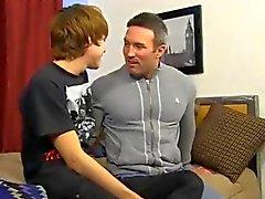 Sumisos homosexuales caliente de hace sonar un de DILF guapo