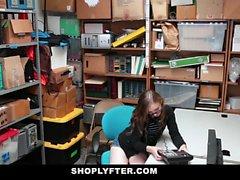 Shoplyfter - Sıkı Pussy Teen ile Gizli Kamera Seks