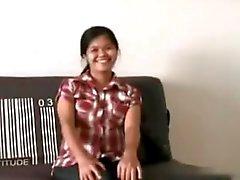 Preggo филипина желает показать и играть ее волосатые киски