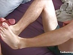 Justin Cross ja Travis Cooper Foot Job Fetish