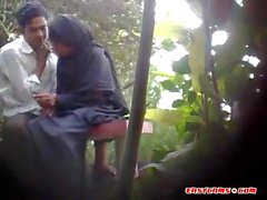 BanglaDeshi Boys and Girls Sex i Park
