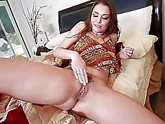 Allie Haze Bir Big Dick'in ile çözülmesi var