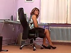 Liten titted Office Milf Fucks