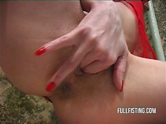 Skinny Slut Fists Her Pussy And Takes Facial