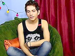 Gay porn Eighteen year old Giovanni Lovell is a Spanish impo