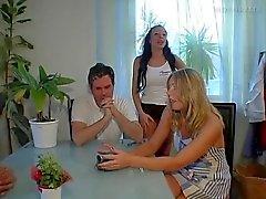 Peliculas porno gratis checas intercambio parejas Intercambio De Parejas Intensos Videos Xxx De Swingers Por Distinguido En Porn Poppy