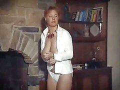 HEY YA - vintage ginger big bouncy tits strip dance
