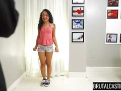 Holly Hendrix Brutal Castings Primeira Vez
