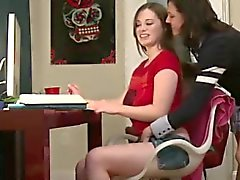 College girls barba anziano di confraternita lesbica