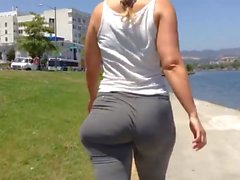 Loose jiggly fat butt pawg pants (mod)