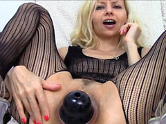 Hot pornstar gaping and cumshot