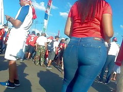 Amazing big butts latina girls in tight jeans